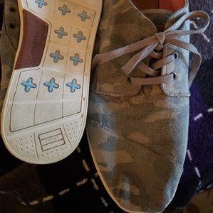 Tom's Camo Shoes